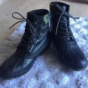 Brand New Men's Sorel Snow Boots.